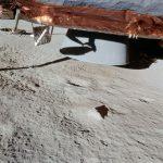 Ongebruikte raketmotor. Maanlandingen fake. AS14-66-9261 (ALSJ)